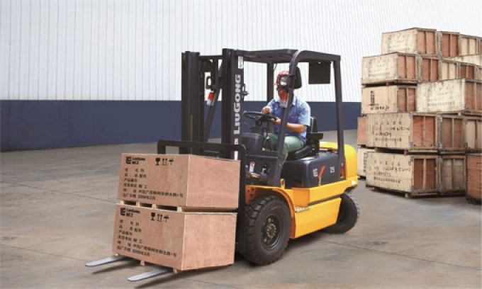 2.5 TON DIESEL FORKLIFT – CPCD25A*