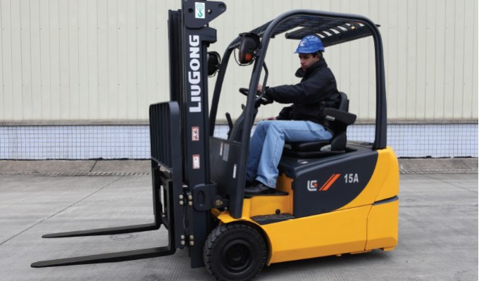 1.5 TON ELECTRIC FORKLIFT – CLG2015A*