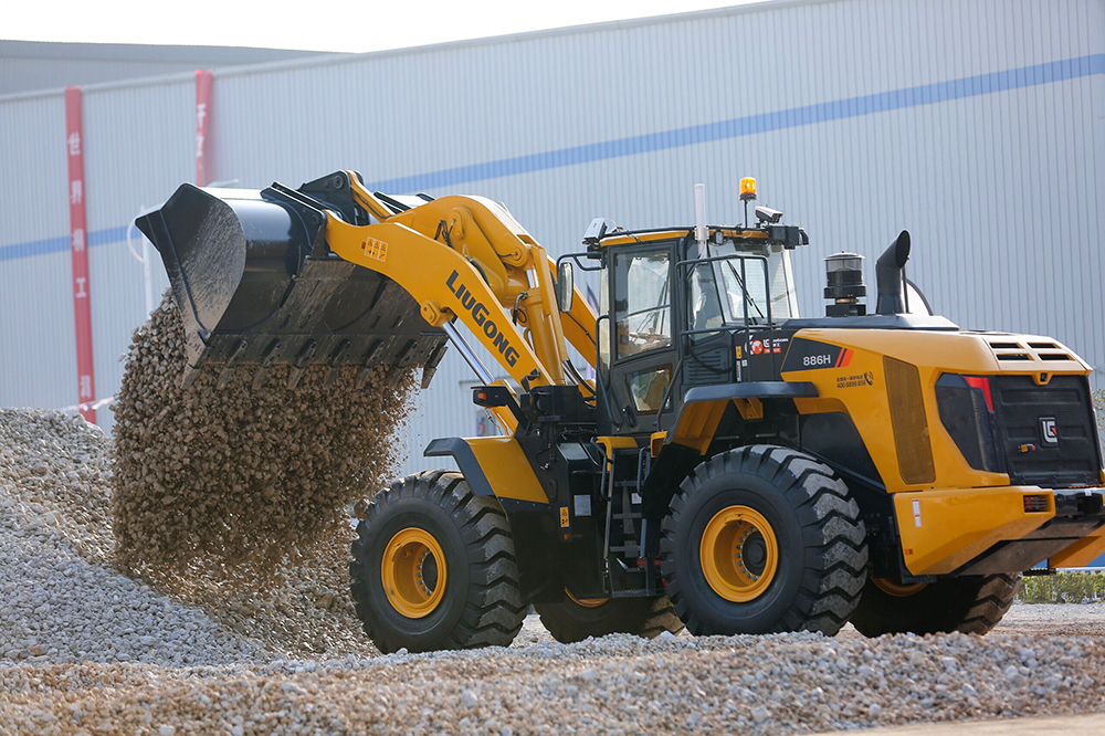 LiuGong Launches the First Ever Intelligent Wheel Loader Shoveling System along with Six New Products